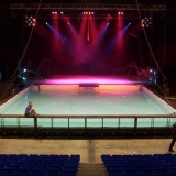 SEANCE TENANTE – 2003 – piscine pour spectacle aquatique