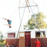 Cie LA CABRIOLE - 2013 - portique autonome pour corde volante et trapèze ballant