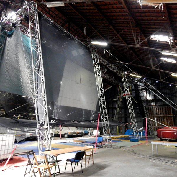 """Atelier d'acrobaties aériennes - """"Hangar noir"""""""